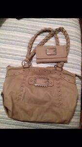 GUESS PURSE WITH MATCHING WALLET FOR SALE Cambridge Kitchener Area image 1