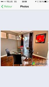 table de cuisine en vitre ronde + 6 chaises en vrai cuir