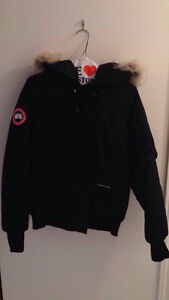 CANADA GOOSE CHILLIWACK BOMBER LADIES SMALL EXCELLENT CONDITION