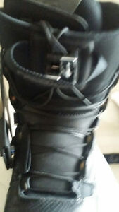 Freedom snowboard boots - Men's Size 9 London Ontario image 3