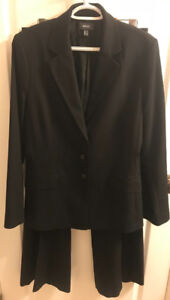 **LADIES FRENCH NAVY MEXX SUIT FOR SALE-SIZE 10/12**