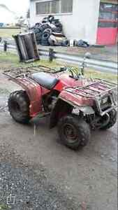 Yamaha Bear tracker 2000 et big Red 200 pour piese