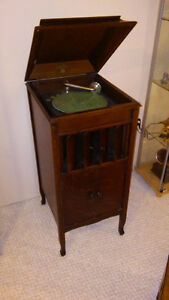 Old phonograph mid 1900's.
