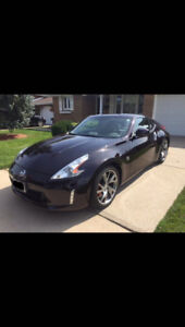 2014 Nissan 370Z Coupe (2 door)