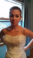 Robe de mariee/Bridal Gown- jamais portee/never worn
