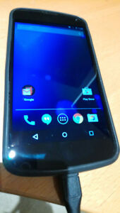 nexus 4  - lightlly used. Extras. Mint shape