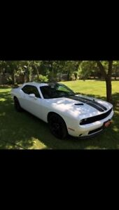 2016 Dodge Challenger SXT, LIKE NEW  ONLY 1800 Kms