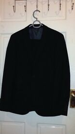 Men's black skinny fit suit