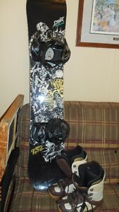 Drift Salomon snow board, with K2sonic bindings & Forum boots