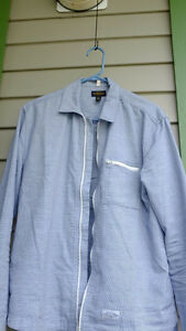 Modern zip-up shirt from CPO Size M & S North Shore Greater Vancouver Area image 2