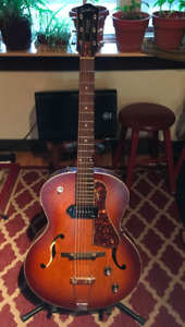 Guitare Godin 5th ave  with kingpin P90 and  archtop fishman