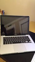 "2009 13"" Macbook Pro 250GB 2.26 GHz Core 2 Duo"