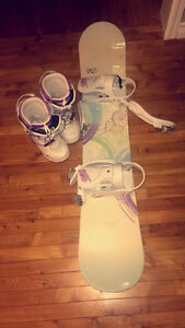 Selling snowboard, bindings and boots