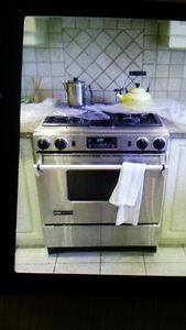 Jen-Air Industrial Gas Stove. ONLY STOVE TOP WORKS