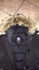 Canada Goose Women's Jacket XS Bomber Jacket