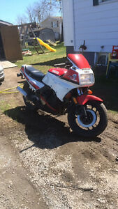 1985 yamaha fz750 street bike 4 sale