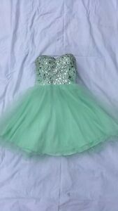 Prom dress size 2 from La Creme