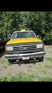 1991 Ford F-350 Camionnette