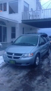 2004 Dodge Caravan Grand Minivan, Van
