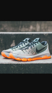 Looking for basketball shoes size 10-11