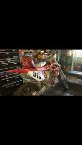 2007 CRF250R WITH UNDER 60 HOURS
