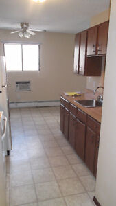 2 Bdrm Apartment In Cathedral Available - 7th Month RENT FREE Regina Regina Area image 3