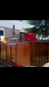 5-6 Person Hot Tub for Sale
