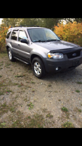 ****2007 FORD ESCAPE AWD****FULLY LOADED****