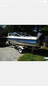 17ft bowrider 90hp Evinrude and trailer