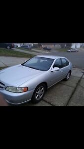 Nissan Altima 2000 just for $1200!!!!