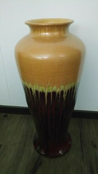 Vase made from famous 石湾 China