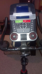 SCHWINN 170 UPRIGHT BIKE - *******SAVE  NEW CONDITION********