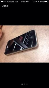 Selling MINT iPhone 4s 16gb