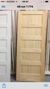 Porte d'intérieur, pleine en pin NEUVE 32 pouces à 5 panneaux