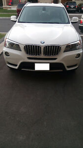 2011 BMW X3 XDrive35i White on Black 65,800 KMS. Fully loaded