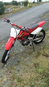 MINT XR100R FORSALE OR WILLING TO TRADE FOR A GOLD CHAIN!!