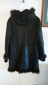Genuine Wolff of Canada sheepskin coat (Medium, New)