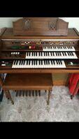 Yamaha organ and bench