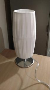 lampe blanche 14 pouces de haut