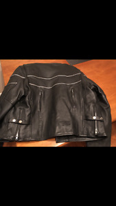 New tags attached ladies screeming eagal bike jacket