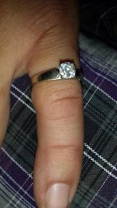 Single solitaire diamond engagement ring  Cambridge Kitchener Area image 1