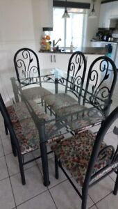 Set de cuisine (Table verre et 6 chaises)