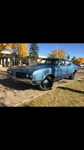 I'm selling my 1970 cutlass with a 454 turbo 400