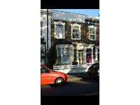 Brixton. Large double room in lovely gay male house share