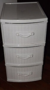 3 Drawer Plastic Storage Dresser, on castor wheels