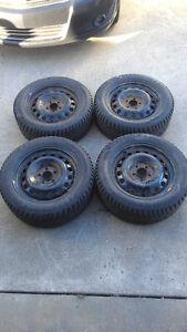 4 pneus d'hiver avec rims General Altimax Arctic P205/55/R16