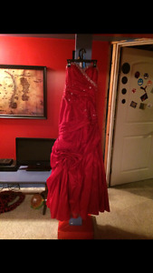 Free Size 4 Graduation Dress