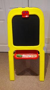 Chevalet de marque Crayola pour enfants