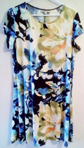 Dress, short sleeves, blue scarf print.  XL