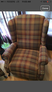 Plaid recliner excellent condition